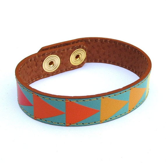 Leather Bracelet - Geometric triangles design