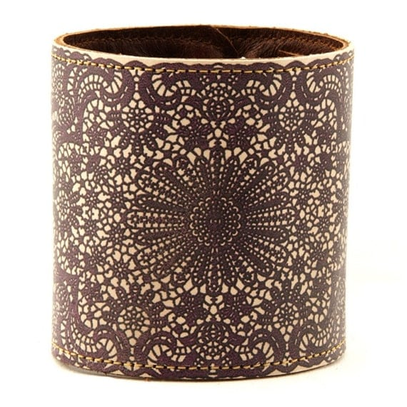 Leather cuff / wallet wristband - Lace