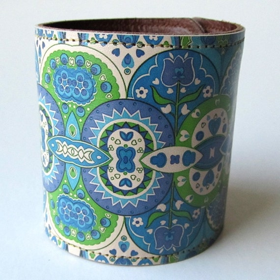 Leather cuff / wallet wristband - Paisley