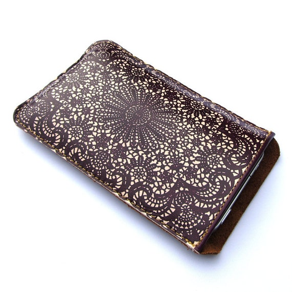 Leather iPhone (All) iTouch (All) sleeve case - Deep purple lace