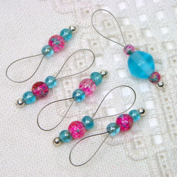 Best Knitting Stitch Markers : Blue and Pink Confetti Beaded Stitch Markers by TJBdesigns on Etsy