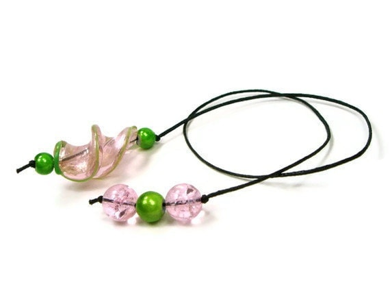 RESERVED Book Thong, Beaded Bookmark, Book Cord, Book String, Gift for Book Club, Pink, Green, TJBdesigns