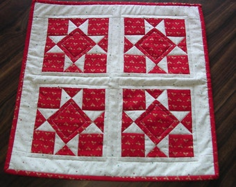 Red and Ivory Star Square Table Topper