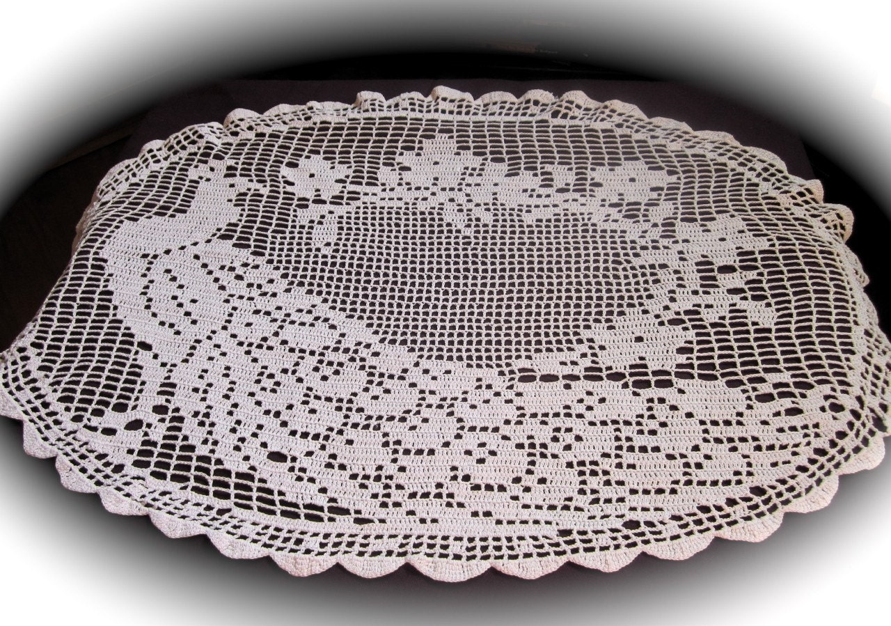 Antique Crochet Lace Peacock Doily Tablecloth Oval Doily