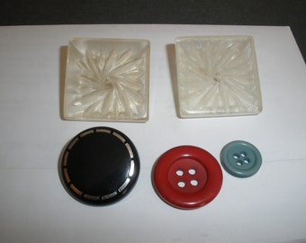 Free Ship,2 Art Deco Buttons,,Unique, Acrylic ,Grooved SUN RAY Design, Shanks, Three FREE1980s  Buttons
