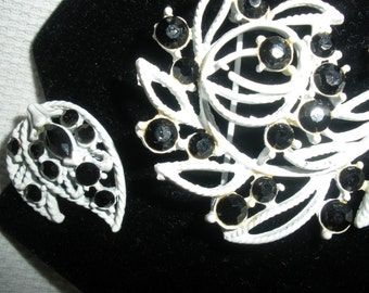 Set, Free ship,Vintage Pin/Clip Earrings,,'Art Deco', Black glass stones set in white painted metal, Ex cond..1950s, so beautiful....