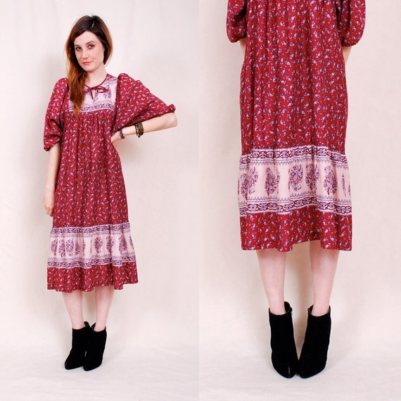 Vintage 70s India Cotton Tent Dress - maroon hues, paisley print, open shape - FREE Worldwide Shipping