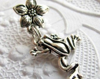 Frog and Flower charm necklace - Tierra Cast silver pewter