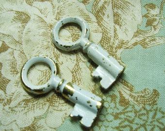 mini vintage key 3