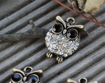 The mini owl pendant