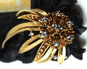 Vintage Flower signed Lisner Brooch with amber and blue rhinestones