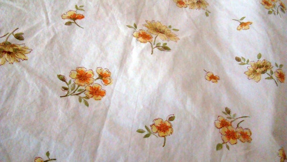 SALE was 12.00 now 8.00 Vintage Full Floral Fitted Sheet in 100% Crisp Cotton / Reclaimed Bed Linens