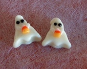 Halloween Ghost - Glow in the Dark - Holding Candy Corn - Hole Vertical