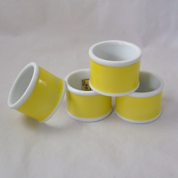 Set Of 4 Fitz And Floyd Yellow Napkin Rings
