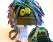 Bugzzy The Monster Hat Set with Plushie - olive green