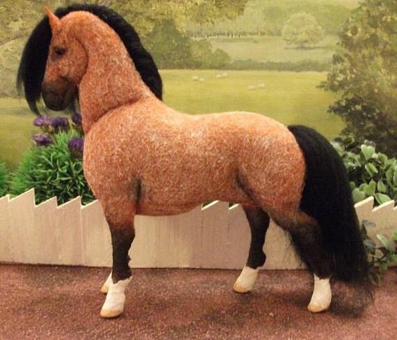 OOAK Wool felt fabric model horse/pony 'Micky'