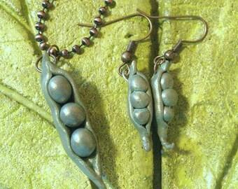 The Pea's Pod earrings