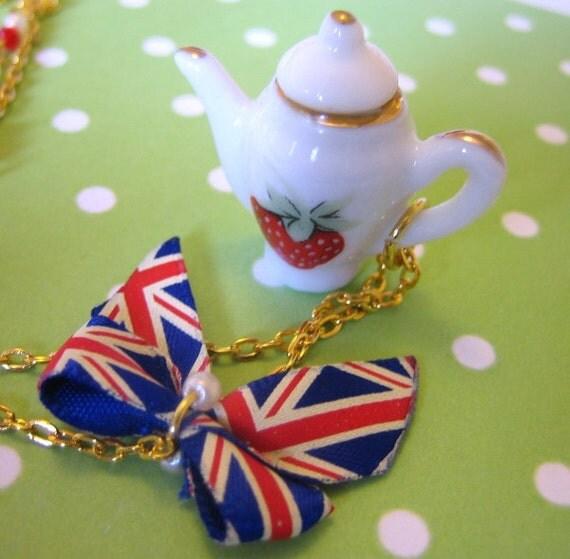 Jubilee Tea Necklace