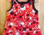 Blooms in Red, White and Black - -2T