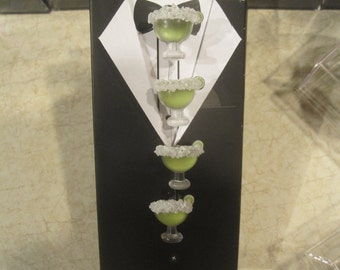 Set of 6 Margarita Glass Tuxedo Set (2 Cufflinks and 4 Tuxedo Shirt Studs) With Salt Rim and Tiny Lime