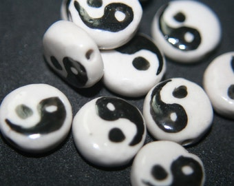 Traditional Chinese Ceramic Round Beads with Ying Yang Patterns on Both Sides -14mm - 8 pcs