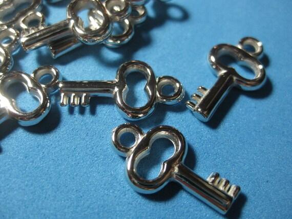 DESTASH - Silver Plated Mini Key Charms - 20 pcs