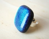 Blue Paradise Dichroic Glass and Pure Sterling Silver Ring - Paraiso Azul Anillo Vidrio Dicroico y Plata