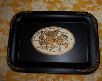 Petite Black tray with Music