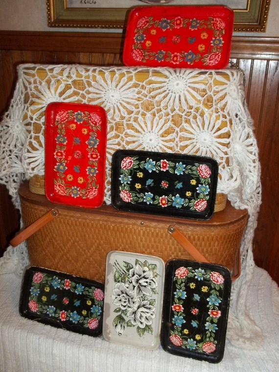 Set of six vintage trays