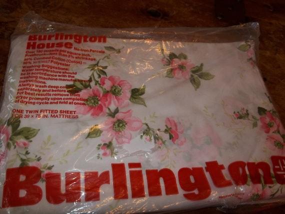 Beautiful Burlington House Vintage never used sheet