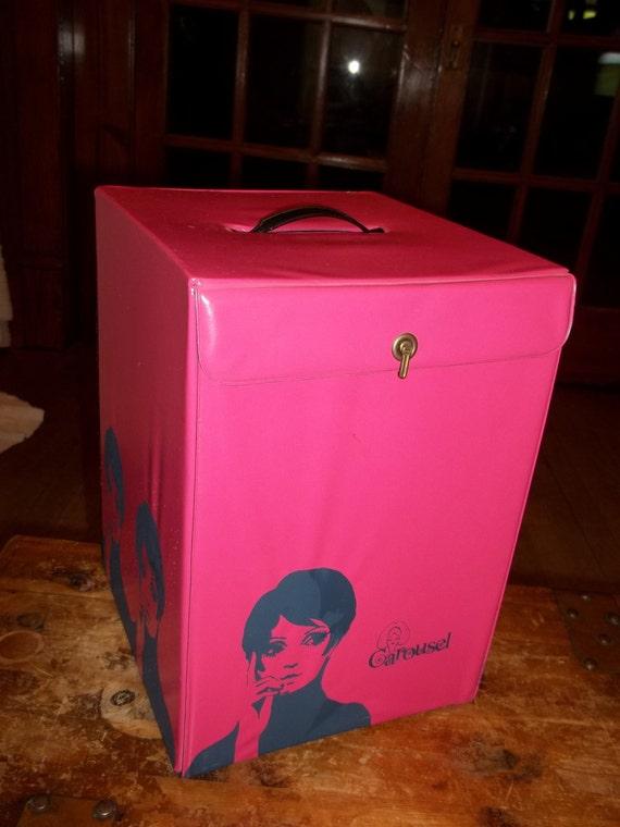 Vintage Mod pink hat/wig box