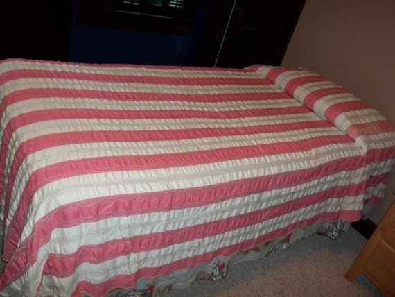 Beautiful vintage Raspberry and Cream Bedcover