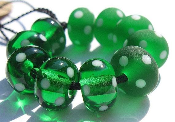 Emerald Minis (10) Lampwork Beads -SRA