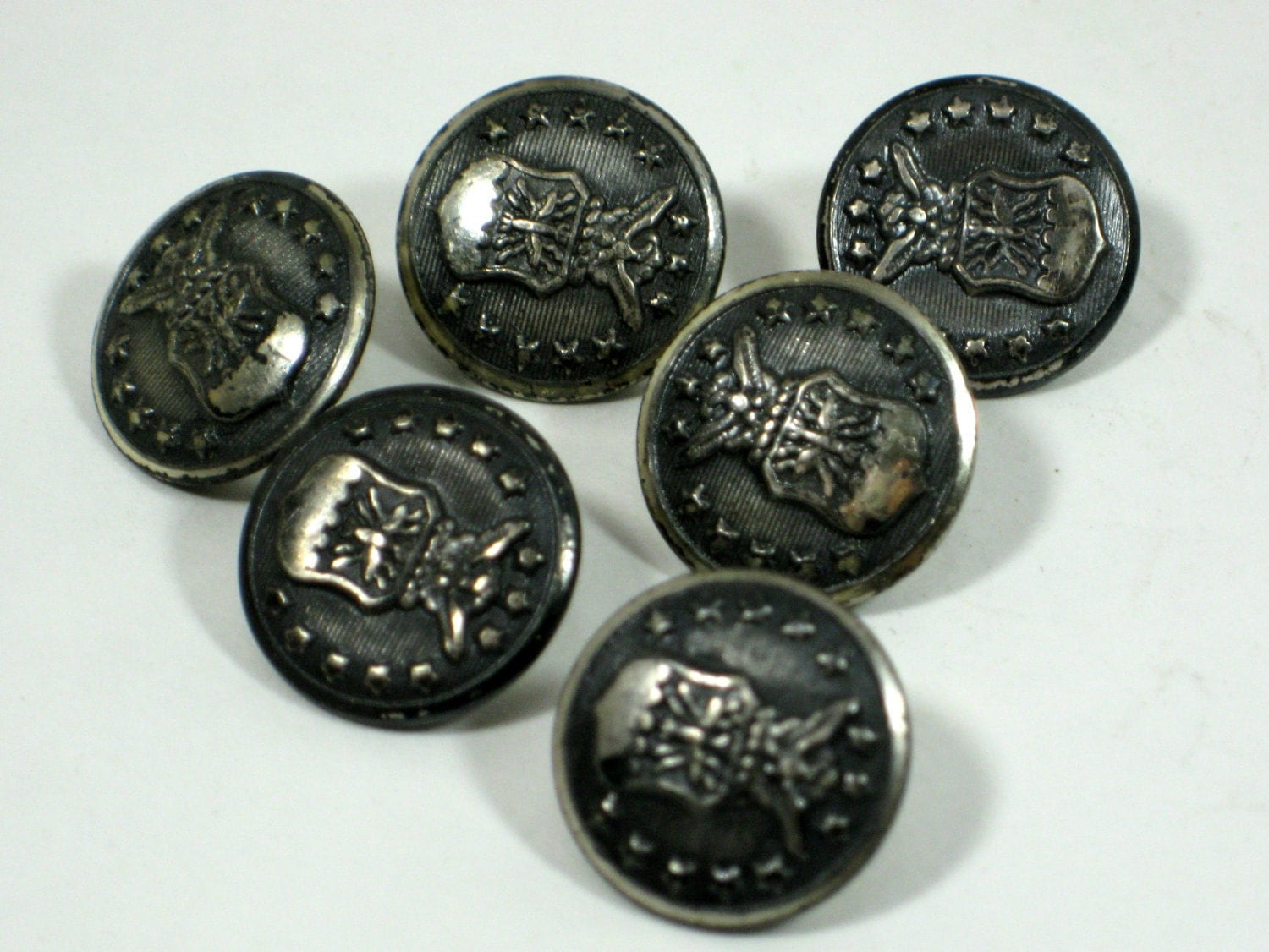 Vintage Military Buttons 84