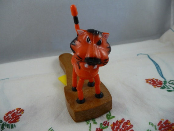 Cool Vintage Tiger Plastic Pop Up Toy with British Patent Made in Hong Kong