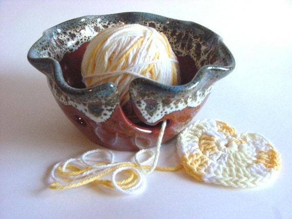 WavyYarn Holder.. In Stock.. Handmade Stoneware Pottery (YH431n)