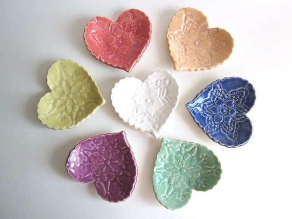 Wedding favors heart dish, Birthday parties favors, Baby shower Handmade pottery. (c)