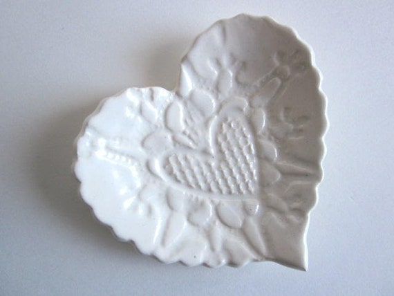 20 Wedding Ring Heart Dish, Candle Holder, Soap Dish, Ring holder, teabag holder, Wedding white, Ceramic pottery