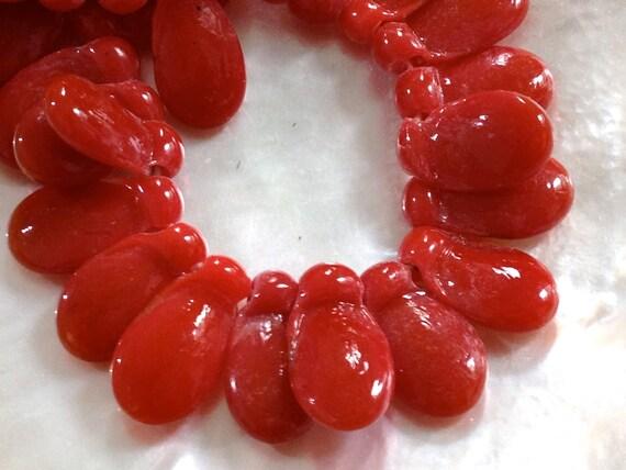 SALE - Teardrop - RED - Funky - 12 pcs - 22 mm
