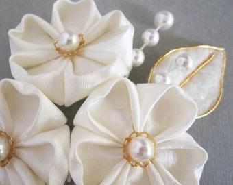 Pale Ivory Flower Bridal Fascinator