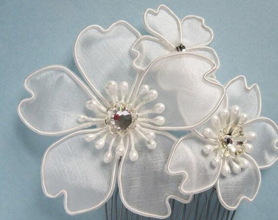 Sakura Bridal Fascinator, Cherry Blossom, Hair Accessory, White silk, Pearl, Hair Comb, Japanese Silk Flowers