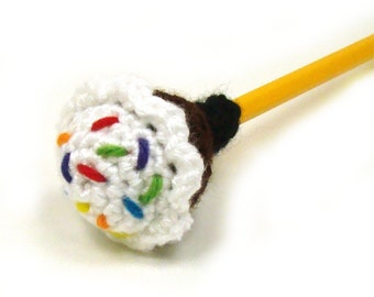 Cupcake Crochet Pattern - Pencil Topper Crochet Pattern - Yarnbomb Crochet Pattern - PDF INSTANT DOWNLOAD
