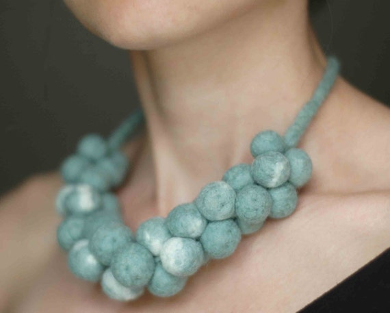 Bold fashion necklace in mint green - felt statement nacklace - handmade jewellery