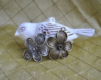 Silver or Bronze Flower Pendant - Quantity 8