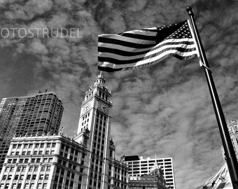 Chicago Photograph. The Iconic Wrigley Building 8x12