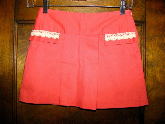 VIntage Flirty Small Petite 1960s Mini Skirt with Side Zipper