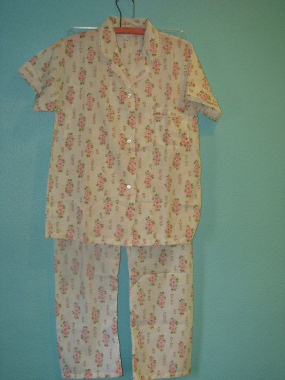 VIntage 1960's Floral Women's Pajamas by Wendy Lee Size M