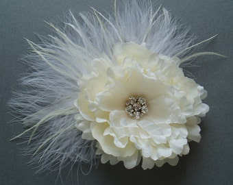 Ivory Wedding Hair Flower Clip, Bridesmaid Head Piece BRIDAL FASCINATOR Feather Flower Rhinestone, comb pin barrette - Ready to Ship
