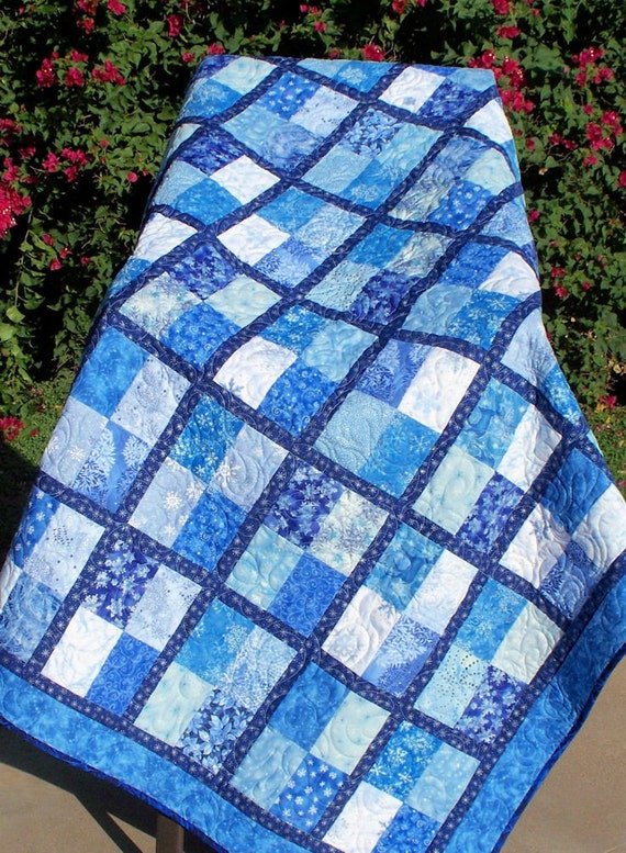 Snowflakes Lap Quilt - Blue and White