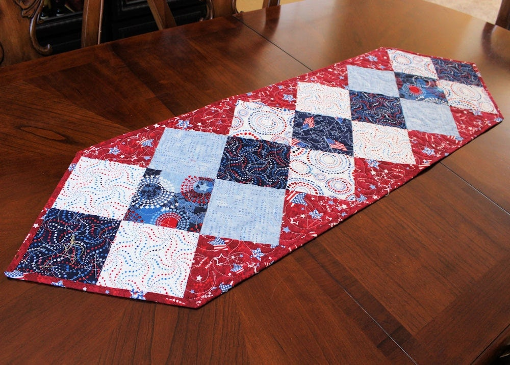 patriotic table runner quilt red white and blue american. Black Bedroom Furniture Sets. Home Design Ideas